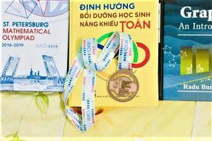 Món quà đặc biệt cho người thầy của các huy chương Toán quốc tế
