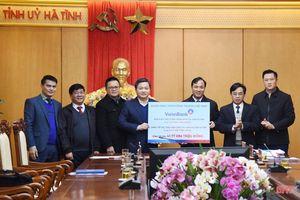 VietinBank trao hỗ trợ Hà Tĩnh hơn 41 tỷ đồng