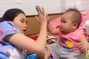Bé gái gật gù nghe dì dặn 'không mê trai' khiến netizen ôm bụng cười