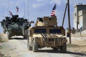 Quân tiếp viện Mỹ vào Syria với vũ khí hạng nặng và xe tăng