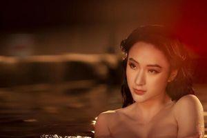 Angela Phương Trinh siêu nóng bỏng, có định trở lại showbiz?