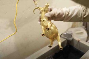 Tượng trâu mạ vàng giá bạc triệu mừng Tết Tân Sửu được chế tác thế nào?