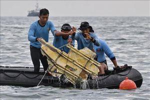 Indonesia điều tra nguyên nhân vụ tai nạn máy bay