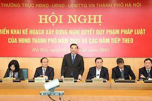 Chủ tịch UBND TP Hà Nội: Có tình trạng 'vừa chạy vừa xếp hàng' trong xây dựng chính sách