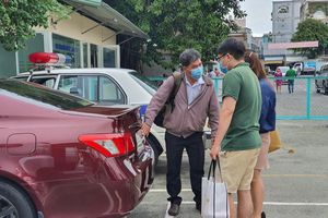 Người Việt mua gần 300 ngàn xe ô tô trong năm 2020