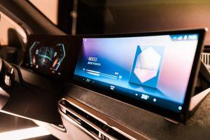 BMW giới thiệu hệ thống kết nối iDrive mới thông minh hơn