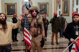 Ông Trump im lặng sau bão Quốc hội, phu nhân lên tiếng