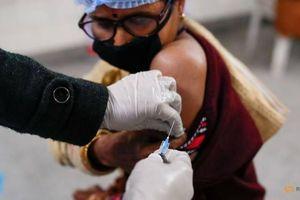 Ấn Độ bắt đầu tiêm chủng vắc xin COVID-19 cho 1,3 tỷ dân