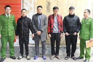 Bắt 4 nghi phạm trộm ô tô ở Nghệ An