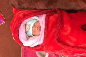Thêm bé sơ sinh bị bỏ rơi giữa trời giá rét