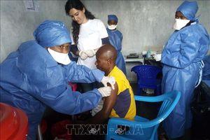 Thành lập kho dự trữ khẩn cấp toàn cầu 500.000 liều vaccine ngừa virus Ebola