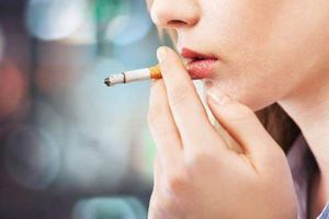 Hết sạch mùi hôi miệng khi hút thuốc lá bằng cách đơn giản