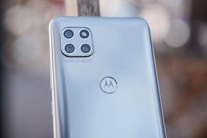 Ảnh chi tiết smartphone chống nước, chip S750G, pin 'khủng', giá hơn 9 triệu