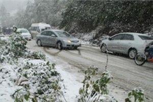 Điều khiển xe trên mặt đường đóng băng cần lưu ý gì?