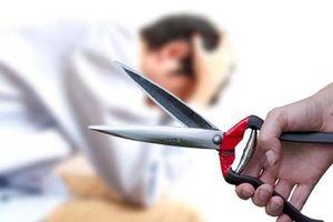 Quan hệ tình cảm xong xuôi, vợ dùng dao cắt đứt bộ phận sinh dục của chồng