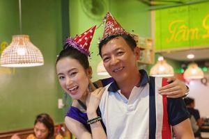 Angela Phương Trinh tổ chức sinh nhật cho bố, tiết lộ lí do em gái không có mặt