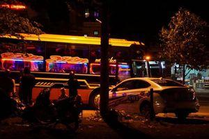 Taxi dù 'băng hội xe trắng' náo loạn phố huyện ở Đắk Lắk