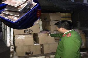 Thu giữ 1,1 tấn hàng hóa thực phẩm không rõ nguồn gốc