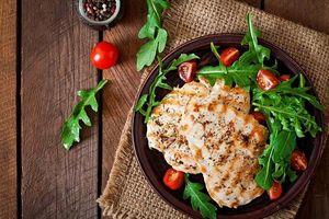 Ăn thịt gà hàng ngày có tốt không?