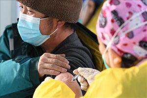 Trung Quốc sẽ tiêm vaccine phòng COVID-19 cho người trên 60 tuổi