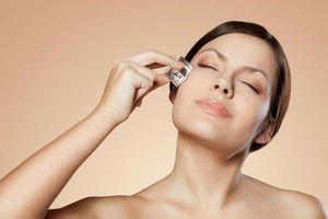 Tác dụng của việc dùng đá lạnh lăn lên da