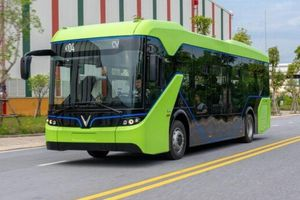 TP.HCM kiến nghị tháo gỡ những vướng mắc việc mở mới 5 tuyến xe buýt điện