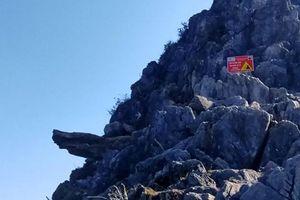 Hà Giang: Rào chắn đường lên mỏm đá 'sống ảo' trên đèo Mã Pì Lèng