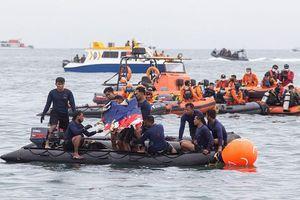 Indonesia tìm thấy hộp đen của máy bay gặp nạn