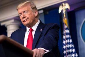 Vì sao hai ngân hàng thân thiết bất ngờ chấm dứt làm ăn với Tổng thống Trump?