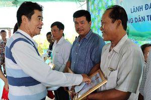 Phú Tân tiếp lửa cho nông dân đột phá trong sản xuất