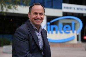 CEO Intel từ chức, CEO VMware thay thế
