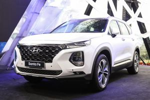 Hyundai Santa Fe bỏ xa Toyota Fortuner về doanh số trong tháng 12