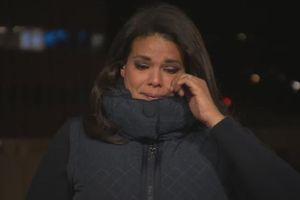 Phóng viên CNN nghẹn ngào khi đưa tin trực tiếp về Covid-19