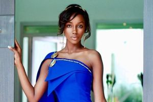 Hoa hậu Guinea không thể đi làm trong 3 năm vì mụn