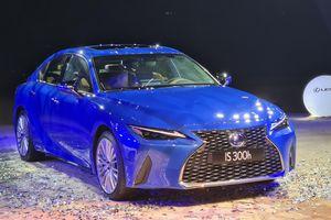 Lexus IS đời 2021 được ra mắt tại Việt Nam