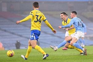 Thắng nhẹ Brighton 1-0, Man City vào tốp ba