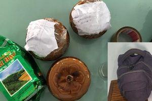 Nam thanh niên để lại 2 hũ nghi tro cốt trong quán ăn ven đường