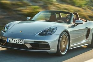Porsche Boxster bản kỷ niệm 25 năm giá gần 100.000 USD
