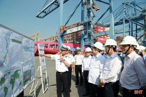 Lãnh đạo Hà Tĩnh tham quan Tổng Công ty Tân Cảng Sài Gòn