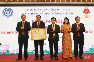 Bảo hiểm xã hội Hà Tĩnh đón nhận Huân chương Lao động hạng Nhất