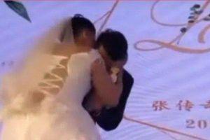 'Cô dâu' cưỡng hôn chú rể rồi bỏ chạy, nhìn kỹ ai cũng hiểu lý do