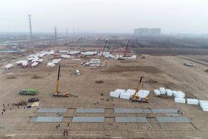 Thành phố Trung Quốc gấp rút xây trung tâm cách ly tập trung COVID-19