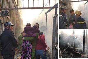 Kịp thời giải cứu nhiều người mắc kẹt trong đám cháy