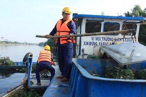 TP Hồ Chí Minh: Đề xuất chi 13 tỷ đồng thu gom rác trên sông Vàm Thuật