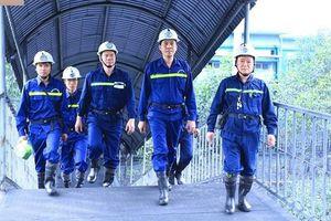 Khi thợ mỏ vượt khó