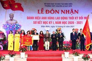 Trường THPT chuyên Lê Quý Đôn đón nhận danh hiệu Anh hùng Lao động thời kỳ đổi mới