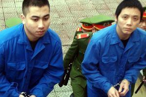 Kết đắng của 2 thanh niên 'ship' hàng độc