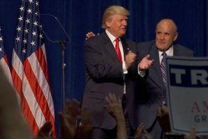 Vì sao Tổng thống Trump từ chối trả lương cho luật sư thân cận Rudy Giuliani?