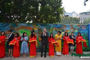 Khánh thành bức tranh tường đặc biệt về chủ đề môi trường tại Hà Nội