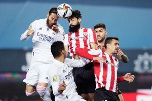 Real bị loại khỏi siêu cúp, Zidane vẫn bảo vệ trò cưng